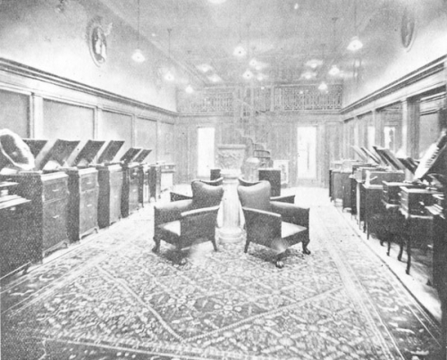 The main display room of the Berliner Gram-o-phone Company store, 1913.jpg